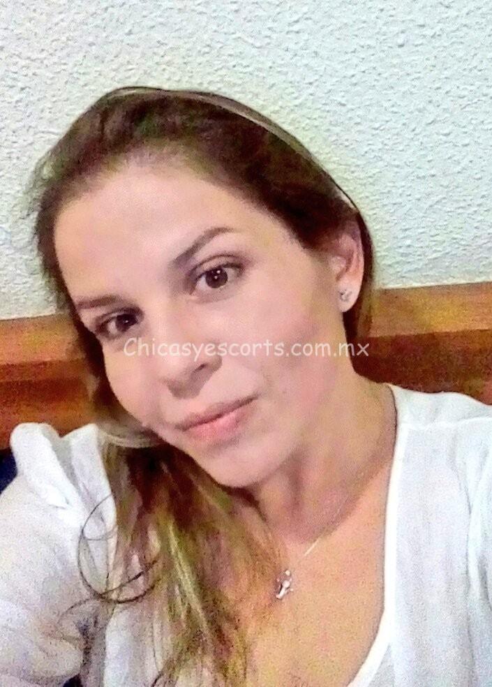 Sofia Vilos chica de compañia